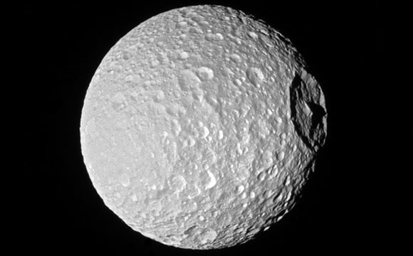 New cassini image of Mimas Mountain